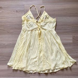 Forever 21 Dresses - Light Yellow Flowy Dress